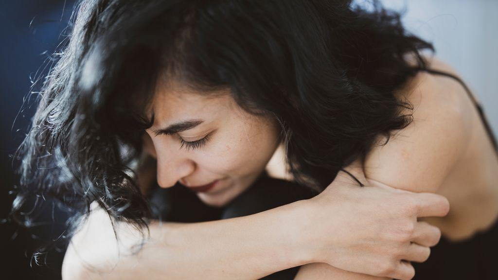 Dejar de juzgarte o conocer tus emociones: 10 jóvenes comparten los beneficios de hacer terapia
