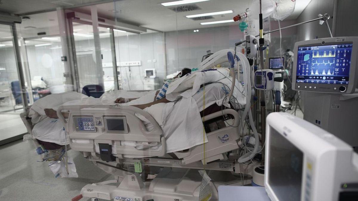 Empeoran los datos en Madrid con un aumento de los contagios hasta 2.896 y 15 fallecidos más