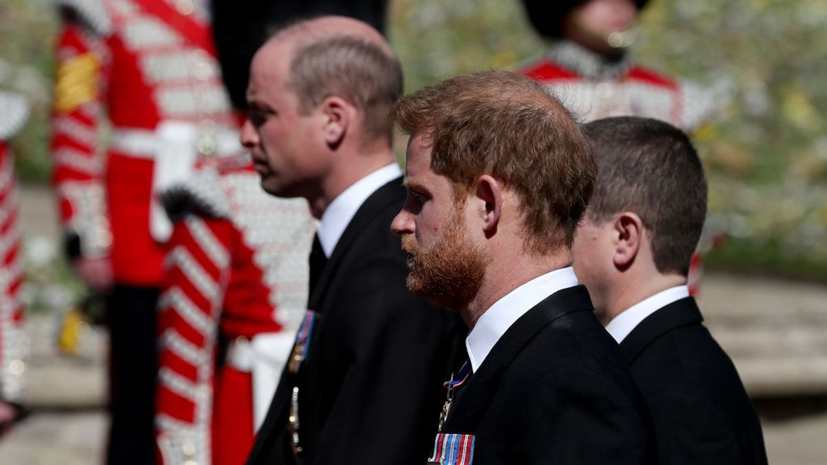 El gesto de Peter Phillips con sus primos, William y Harry, en el funeral del duque de Edimburgo