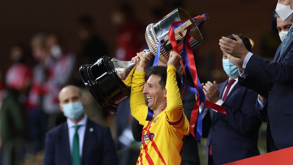 Messi levanta la Copa del Rey.