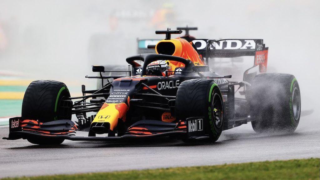 Verstappen se lleva la victoria en Imola: Carlos Sainz remonta hasta el quinto puesto y Alonso, undécimo
