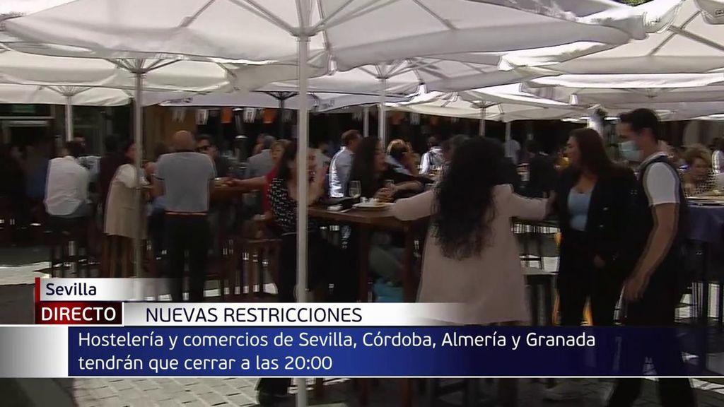 Sevilla, Córdoba, Granada y Almería capitales tendrán que cerrar sus bares a las 20.00 horas desde este domingo