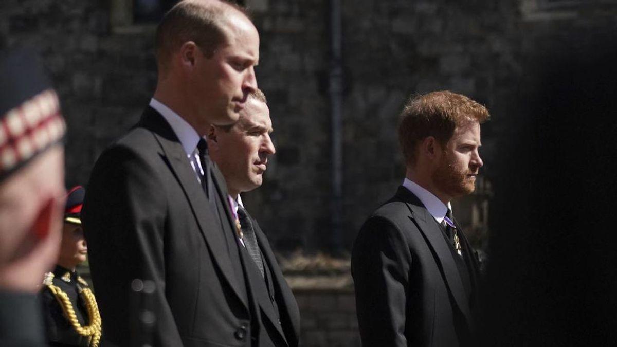 Desvelan lo que los príncipes Guillermo y Harry se dijeron en el funeral del duque de Edimburgo