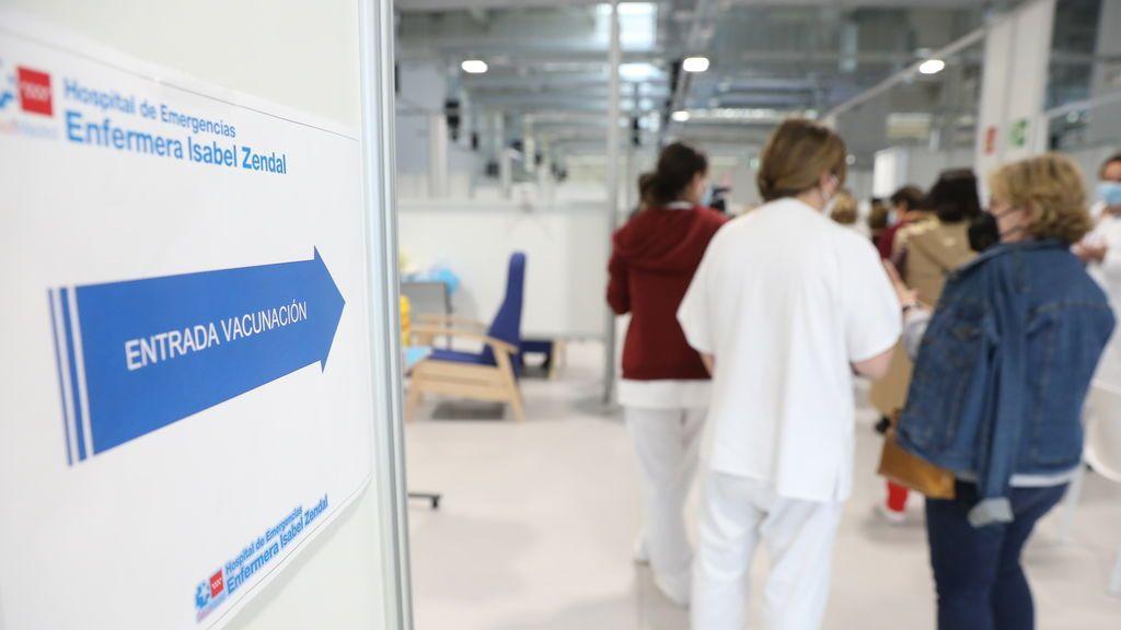 La mayoría cree que Madrid está gestionando la pandemia igual o mejor que el resto de comunidades y que Moncloa