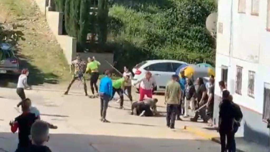 Pelea a palos en un vecindario de Huelva