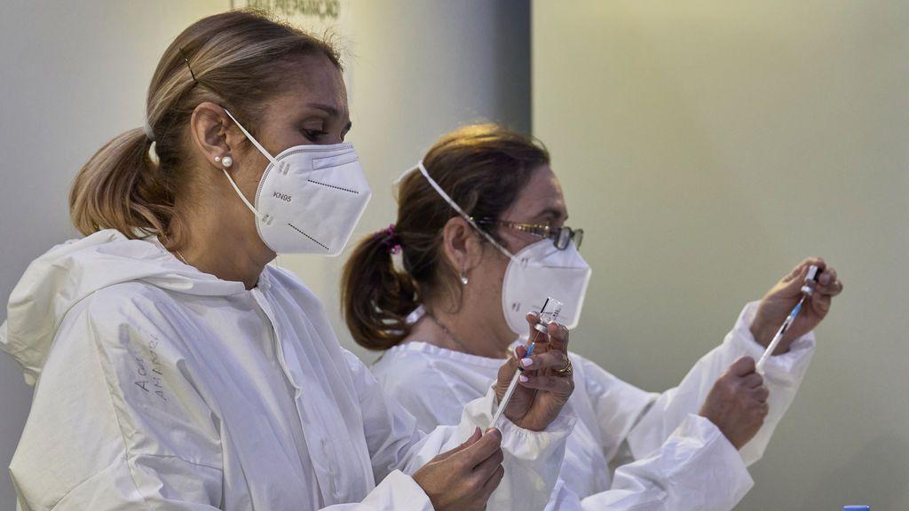 Retrasar la segunda dosis y recuperar Janssen, claves para el despegue inminente de la vacunación en España