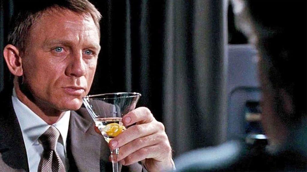 Quién dio el mejor trago: cinco escenas de cine que inspiraron el arte de ponerse un copazo