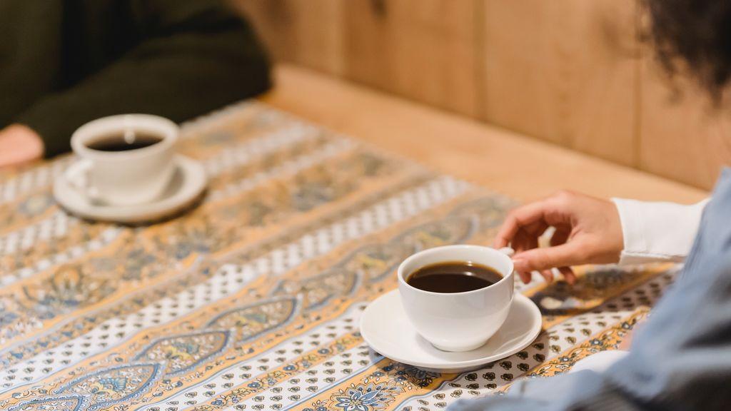Un estudio asegura que beber más de 2 tazas de café al día reduce el 44 % la mortalidad, incluido el cáncer