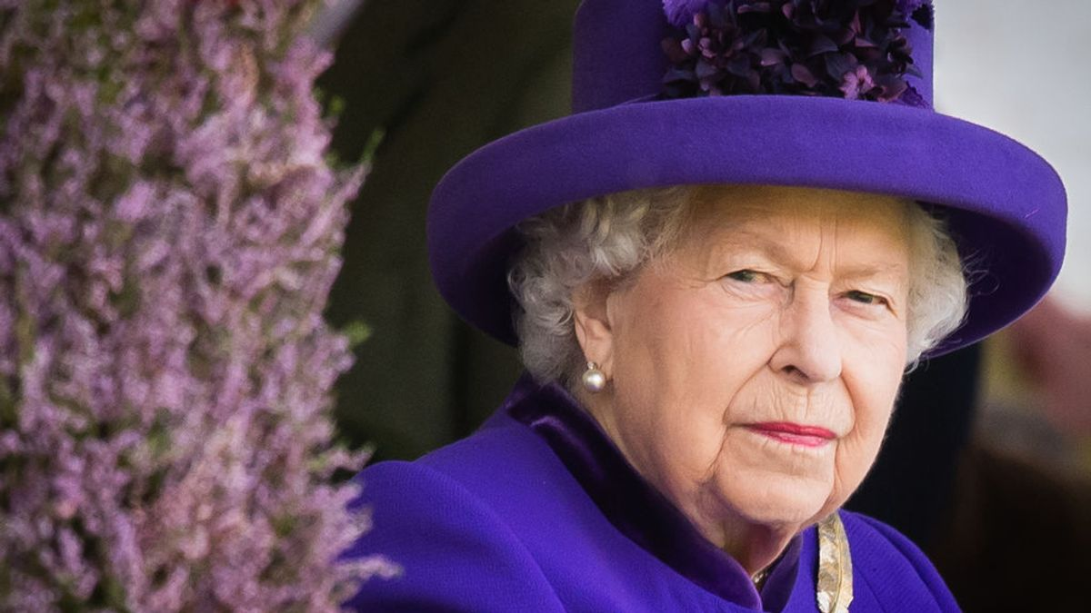 """La reina Isabel II agradece las muestras de cariño recibidas por la muerte de su marido: """"Nos ha conmovido"""""""