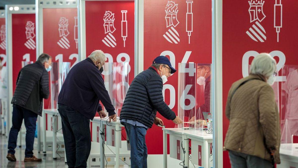 España logra un nuevo récord en la vacunación diaria con 456.777 dosis inoculadas en 24 horas