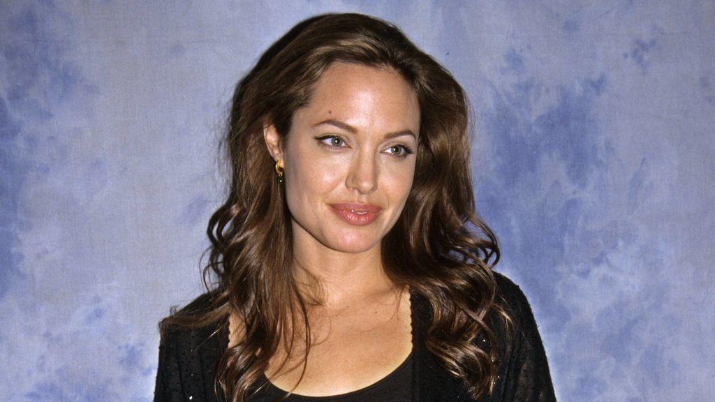 """Angelina Jolie explicó en una entrevista que había probado """"casi todas"""" las sustancias existentes."""