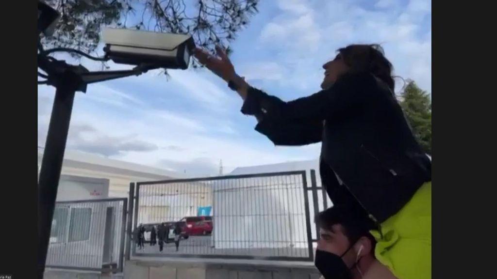 Paz Padilla habla a las cámaras de seguridad