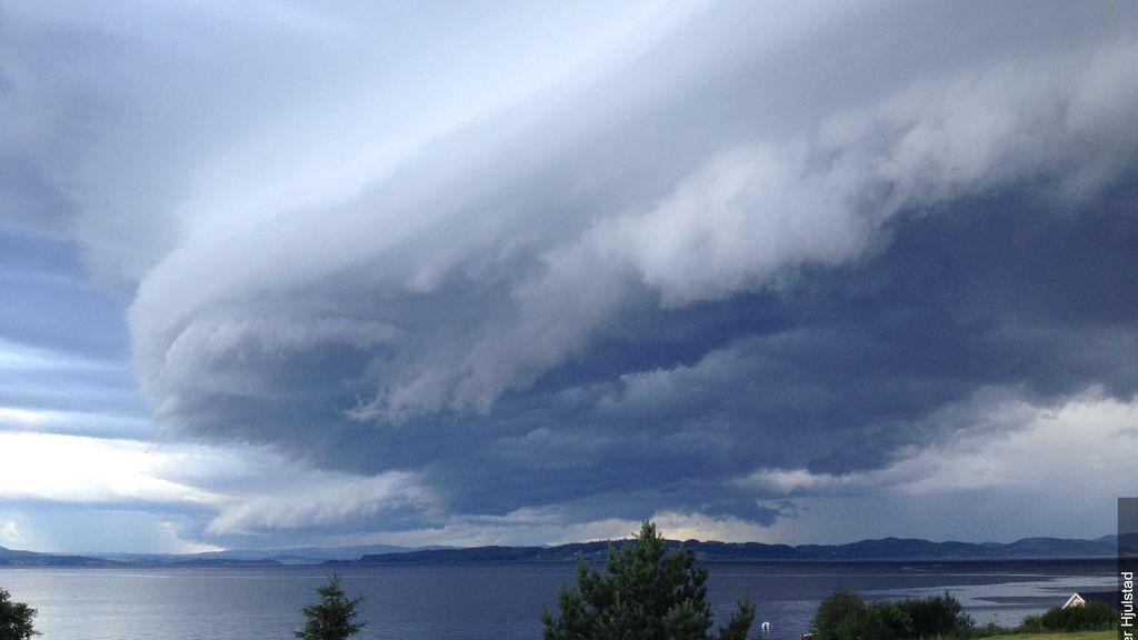 Nube rodillo o 'roll cloud': ¿cómo se forman estas estructuras que parecen presagiar el fin del mundo?