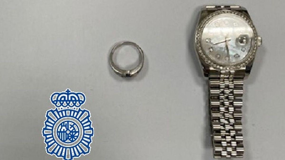 Detenida una turista por simular el robo de sus joyas en un piso de Fuengirola para cobrar tres seguros de viaje