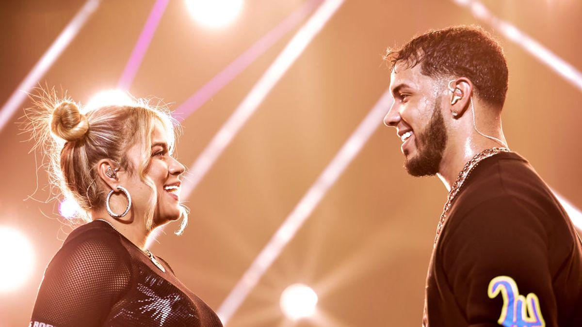 """Karol G y Anuel AA , la bella y la bestia de la música urbana, ya no son pareja: """"Seguimos amándonos"""""""
