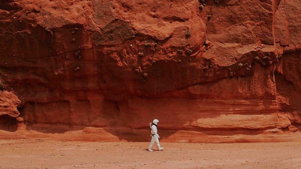 ¿Qué le pasaría a un humano en Marte al quitarse la escafandra protectora? ¿Cómo moriría?