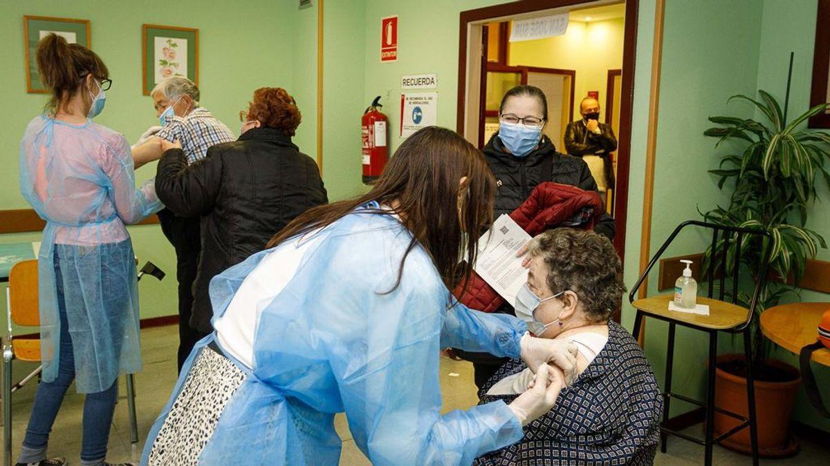 La vacunación ha reducido hasta un 80% el riesgo de infección en las residencias, incluso entre los no vacunados