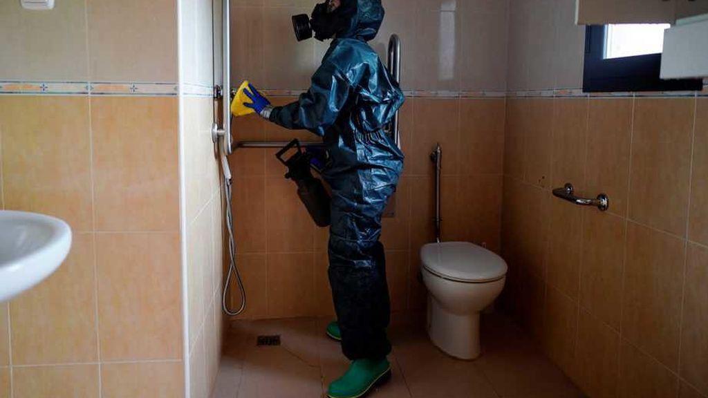 Tirar de la cadena del WC con la tapa abierta puede ser foco de transmisión del covid