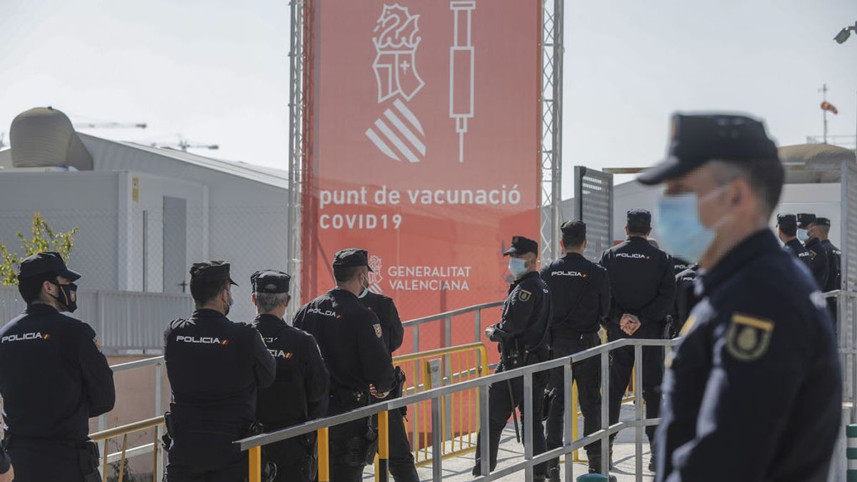 La Policía todavía no tiene instrucciones de Sanidad para vacunarse en Cataluña
