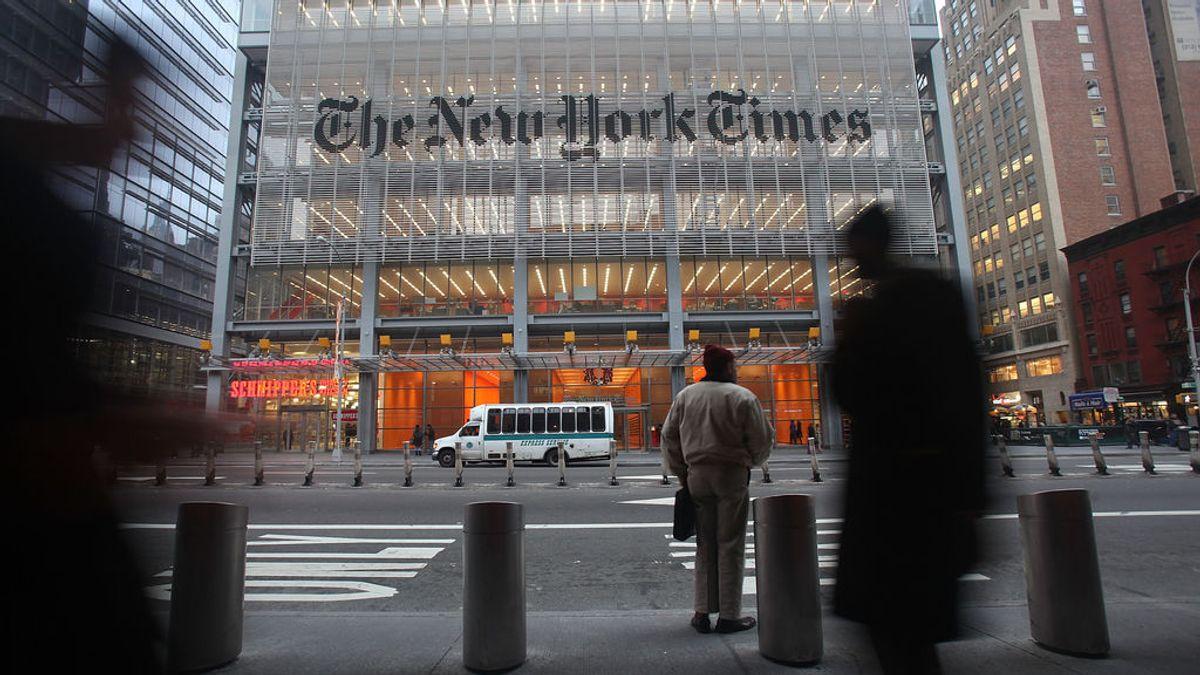 """The New York Times rechaza los baños """"neutrales"""" y cambiar los nombres de los periodistas transgénero"""