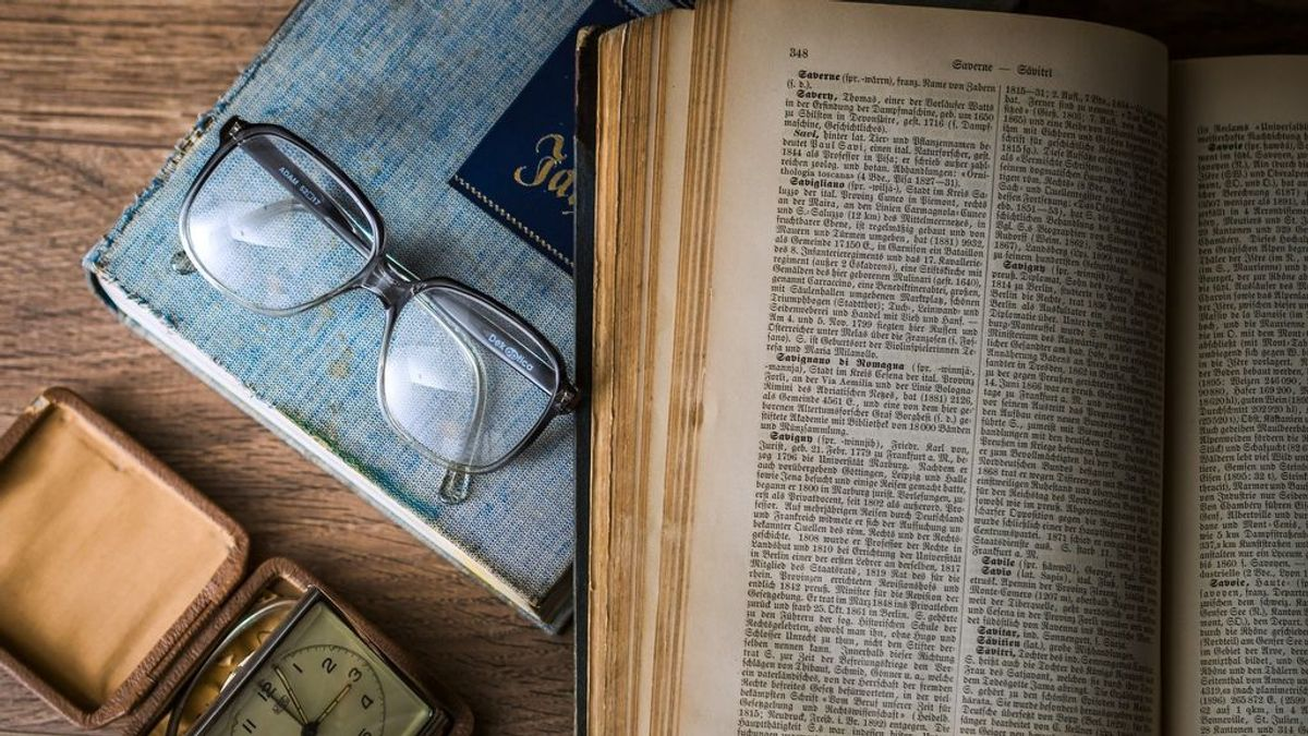 Invertir en primeras ediciones: cuando comprar libros antiguos es tan rentable como un apartamento en la playa