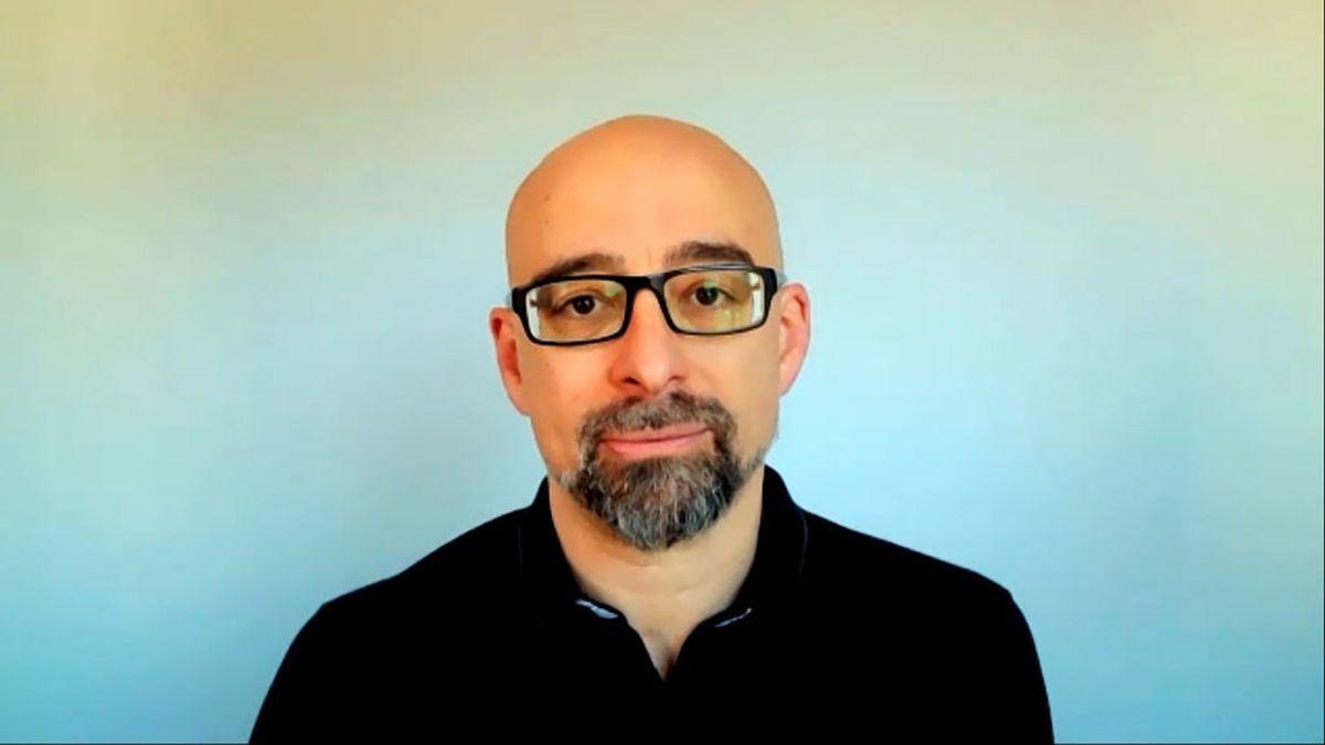 """Salvador Macip,  médico e investigador: """"El impacto que tiene la mascarilla en el exterior es mínimo"""""""