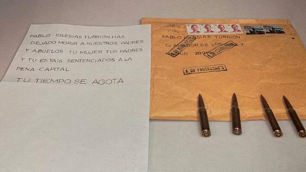 Pablo Iglesias y Marlaska denuncian haber recibido cartas con cartuchos de bala