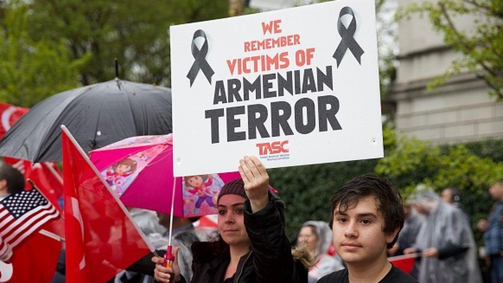 Biden se plantea reconocer el genocidio armenio bajo el Imperio Otomano, a pesar de las advertencias turcas