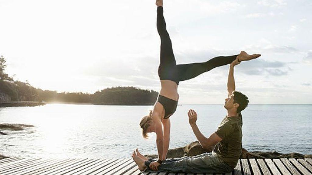 El yoga también fortalecerá vuestros músculos.