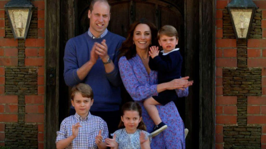 Primer día de cole del príncipe Louis, hijo de los duques de Cambridge, que cumple tres años