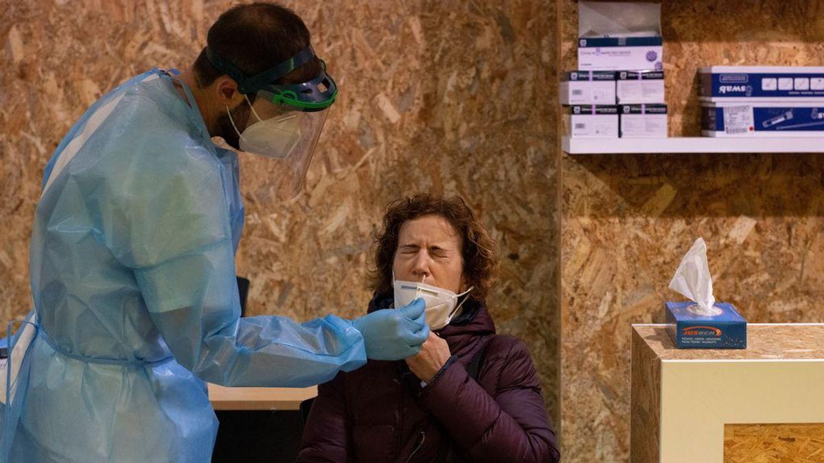 Sanidad registra 95 muertos y los hospitalizados por covid disminuyen a 9.989