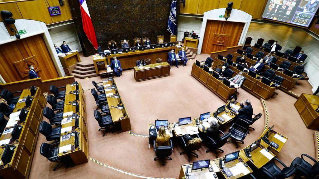 El Senado de Chile aprueba un tercer retiro de fondos del sistema de pensiones por la pandemia