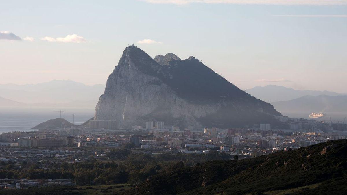 ¿Cómo lo está haciendo el Peñón? Así es la vida en Gibraltar con el 93 % vacunados y sin mascarilla