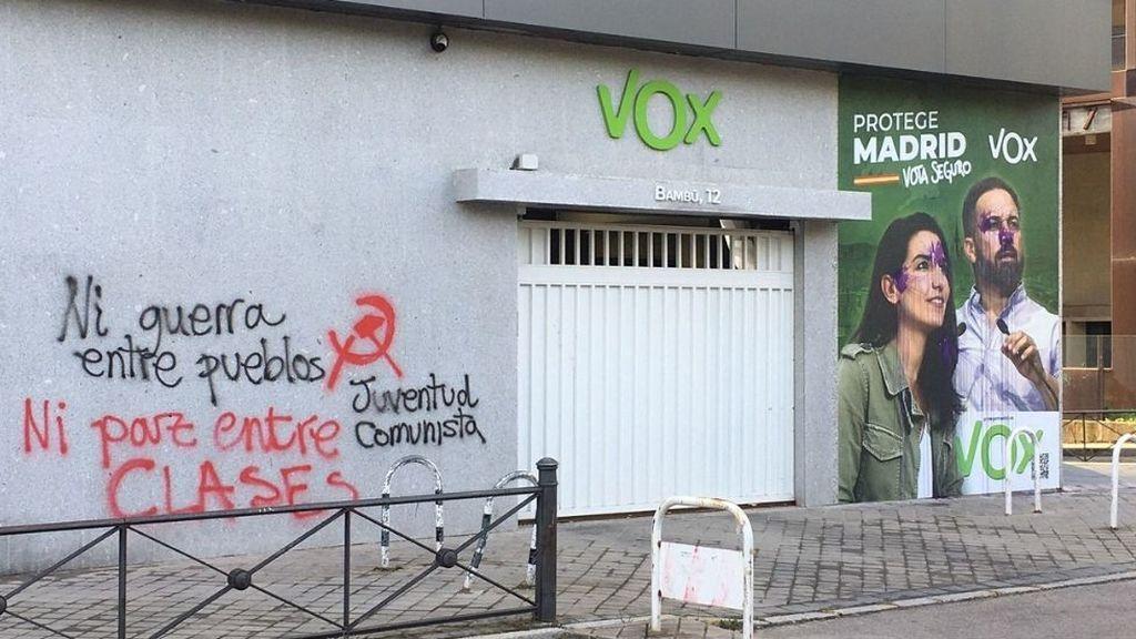 Ataque a la sede de Vox en Madrid, aparece llena de pintadas