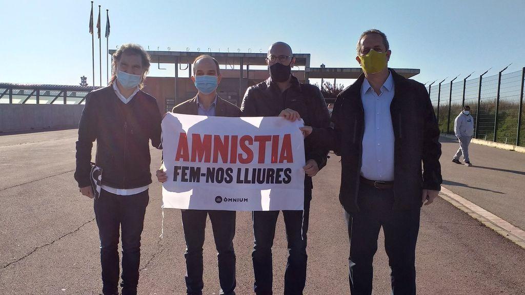 Los líderes del 'procés' firman libros por Sant Jordi