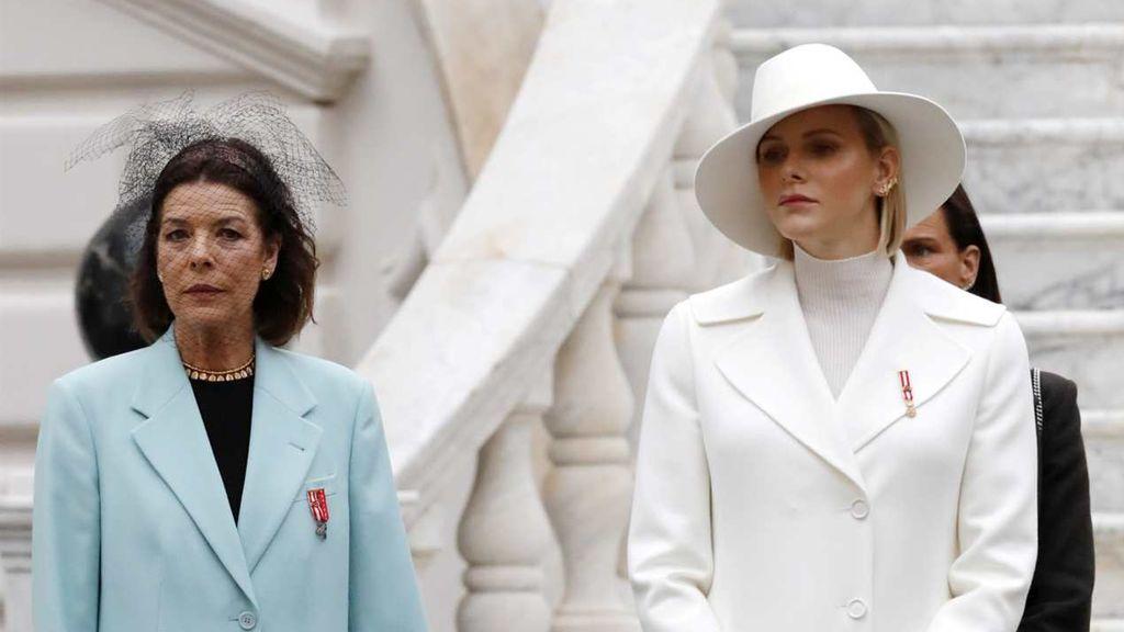 La relación entre Charlène y Carolina de Mónaco ha sido complicada.