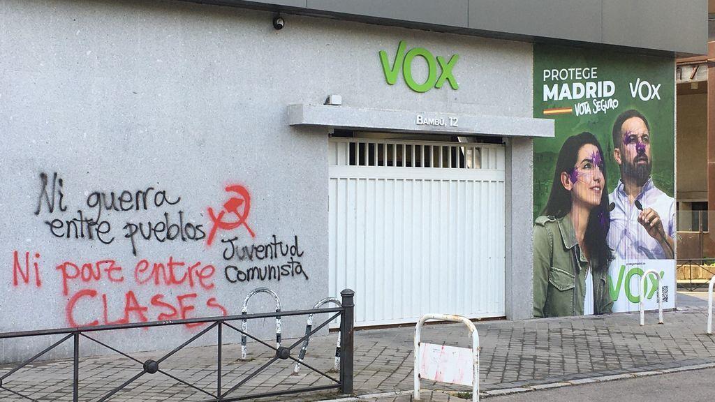 Pintadas en la sede de Vox