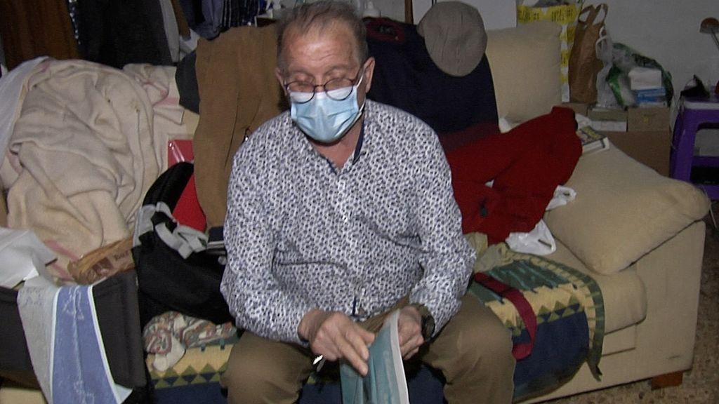 Un anciano de Valencia consigue empadronarse en el tratero que vive para tratar de acceder a un piso de alquiler social