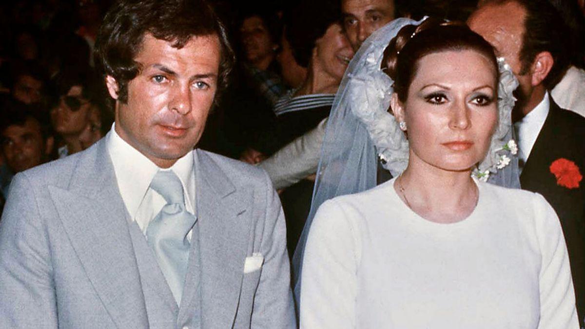 La boda de Rocío Jurado y Pedro Carrasco fue el acontecimiento de la década: así sellaron su amor en Chipiona con Rocío Carrasco.