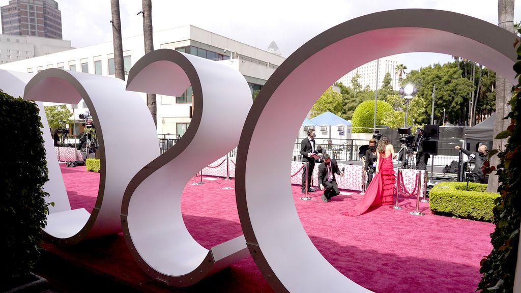 Alfombra roja en Union Station, la estación de autobuses de Los Ángeles, una de las sedes donde tiene lugar la gala de los Premios Oscars 2021