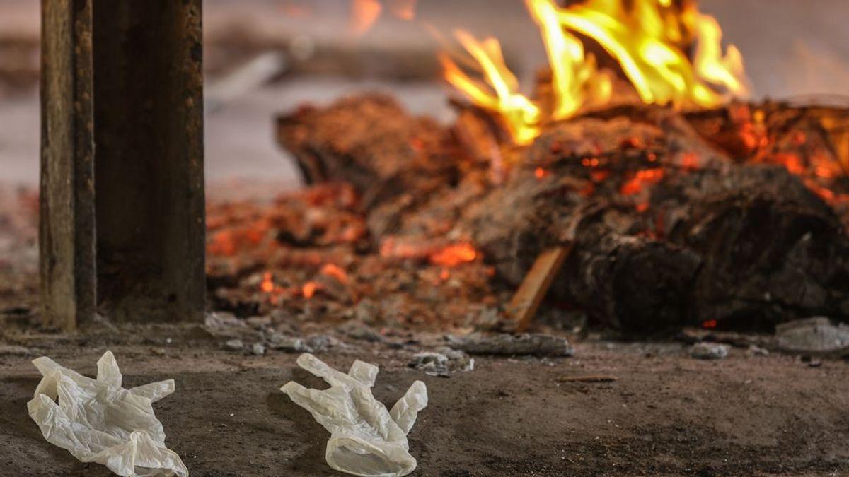 Cremaciones masivas en la India