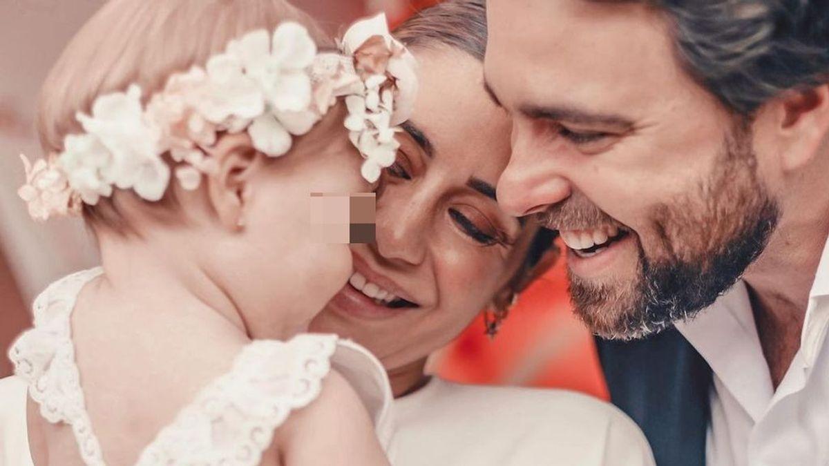 """Elena Tablada comparte el álbum más íntimo del bautizo de su hija Camila: """"Extrañamos mucho a los que ya no están físicamente"""""""