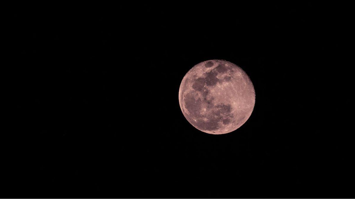 El espectáculo de la superluna rosa: cuándo y dónde verla en su máximo esplendor