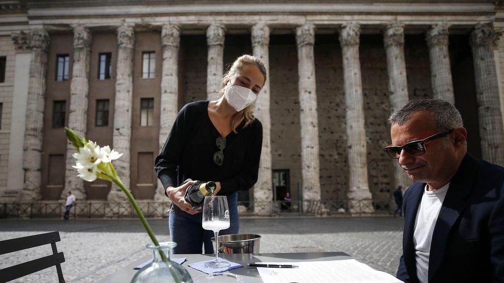 Italia suaviza las restricciones por coronavirus y reabre la hostelería de forma gradual