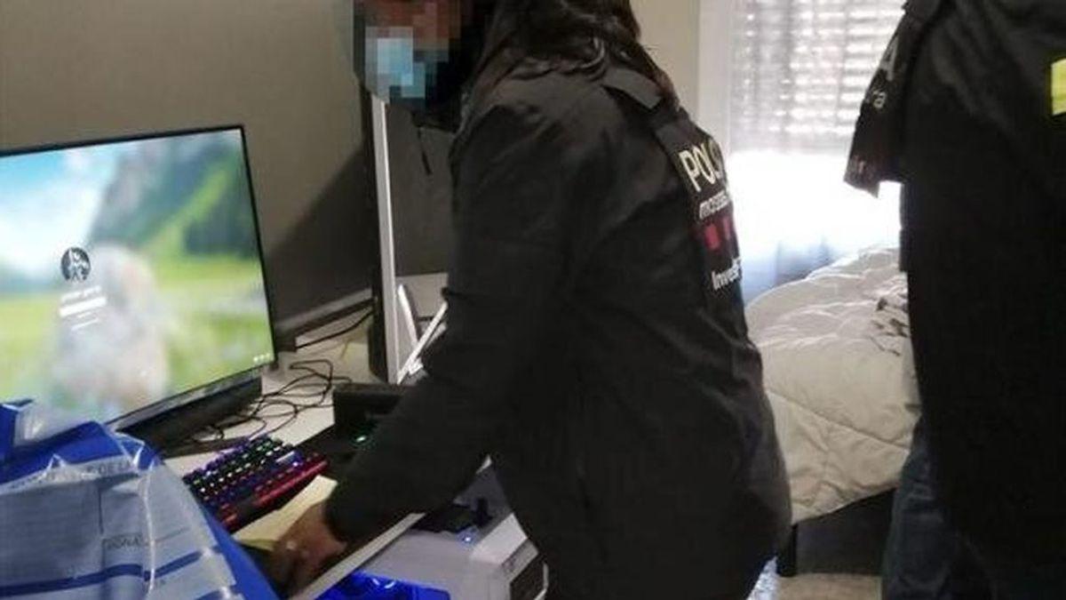 Un colegio expedienta al informático por denunciar el hallazgo de material pedófilo en el ordenador de un párroco
