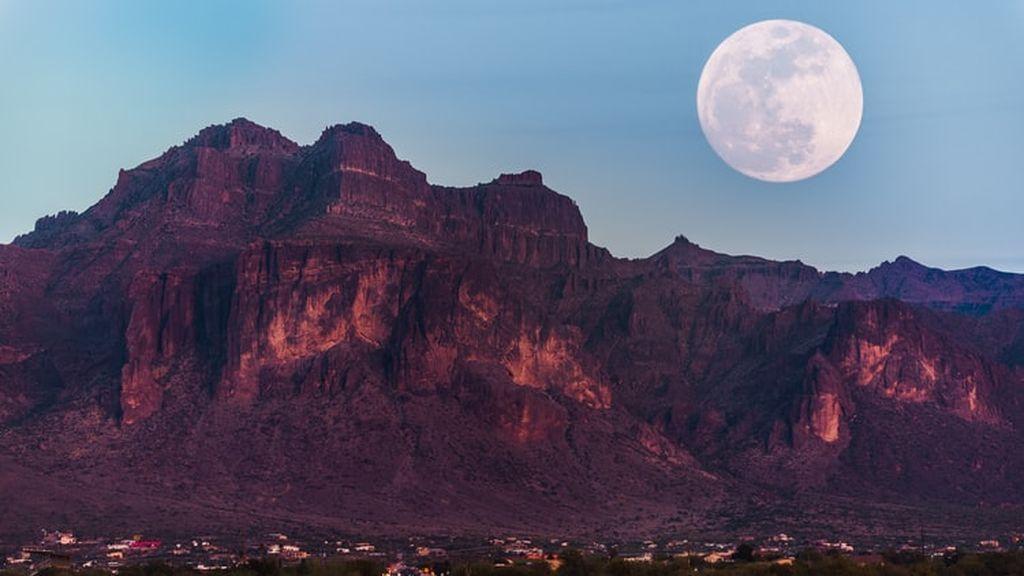 La luna rosa es la primera de tres superlunas del 2021: ¿cuándo serán las siguientes?