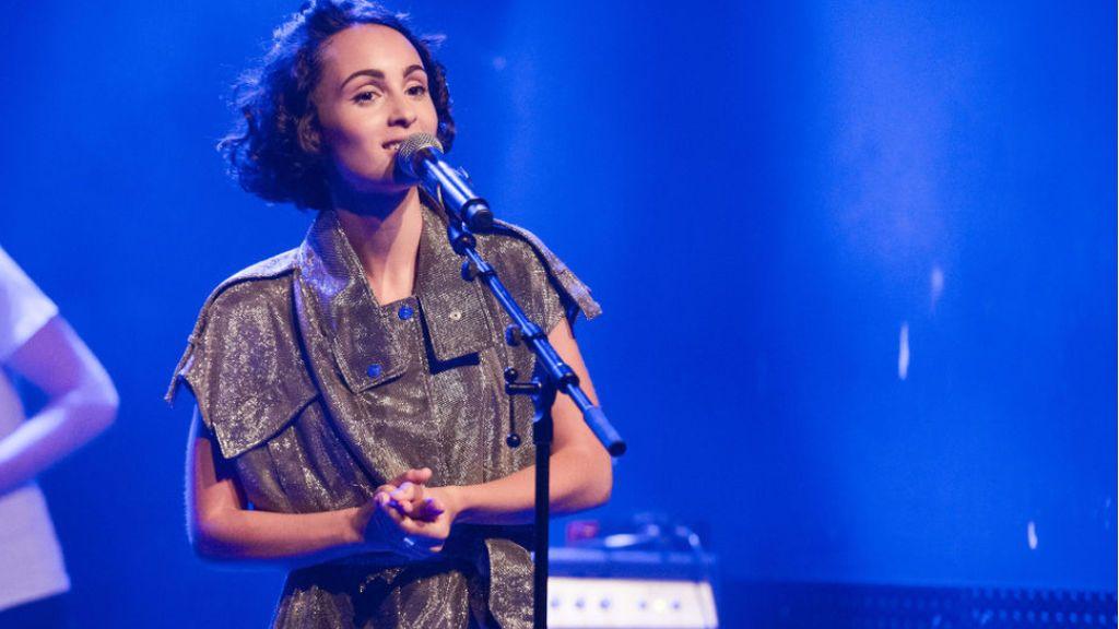 """Barbara Pravi, la cantante francesa favorita de Eurovisión 2021: """"Voilá es lo que soy, un mensaje de aceptación"""""""