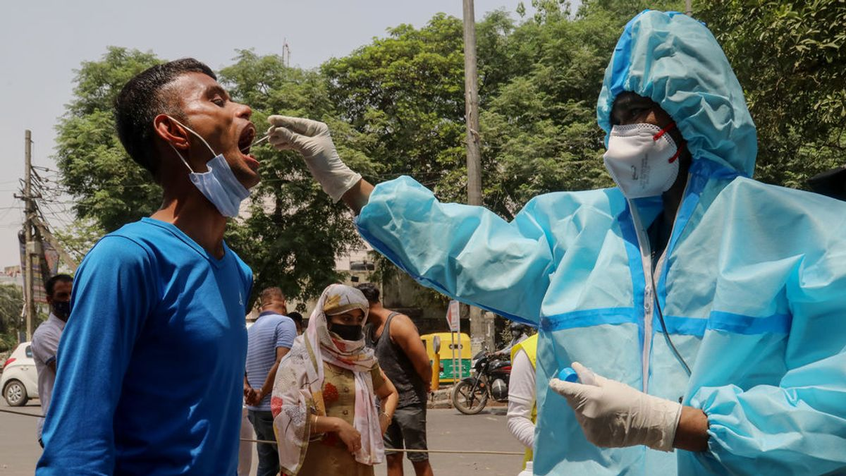 India alcanza un nuevo récord de positivos y muertes diarias por coronavirus
