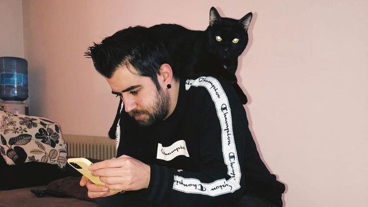 """Muere Don Gato, el fiel compañero de Auronplay en los últimos ocho años: """"Estoy desolado y a la vez lleno de rabia e ira"""""""