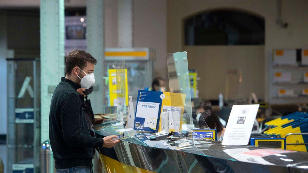235.696 peticiones para votar por correo en Madrid,  un 43% más que en 2019